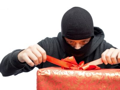 Top 3 Scams to Avoid This Holiday Season